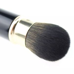 Retractable mini brush for cheeks and face make up